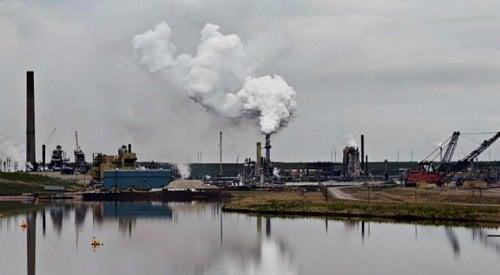 Major Alberta oilsands mines emitting a third more CO2 than they report, federal study finds